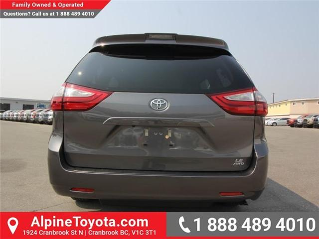 2018 Toyota Sienna LE 7-Passenger (Stk: S207195) in Cranbrook - Image 3 of 16