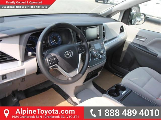 2018 Toyota Sienna LE 7-Passenger (Stk: S207195) in Cranbrook - Image 8 of 16