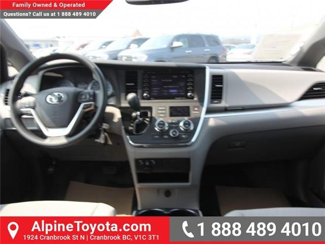 2018 Toyota Sienna LE 7-Passenger (Stk: S207195) in Cranbrook - Image 9 of 16