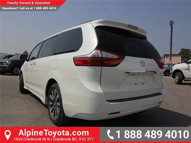 2018 Toyota Sienna LE 7-Passenger (Stk: S207635) in Cranbrook - Image 3 of 20