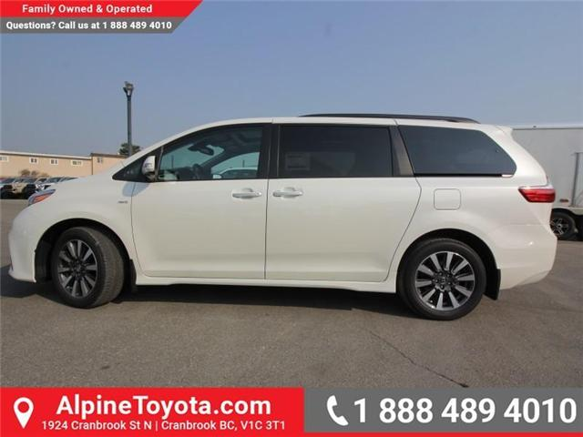 2018 Toyota Sienna XLE 7-Passenger (Stk: S208072) in Cranbrook - Image 2 of 17
