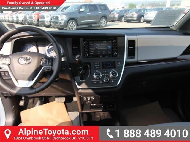 2018 Toyota Sienna XLE 7-Passenger (Stk: S208072) in Cranbrook - Image 9 of 17