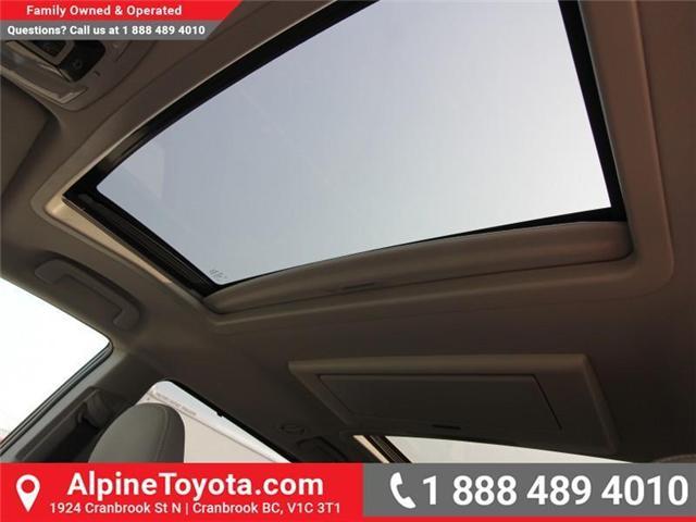 2018 Toyota Sienna XLE 7-Passenger (Stk: S208072) in Cranbrook - Image 15 of 17