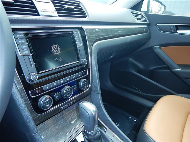 2018 Volkswagen Passat 2.0 TSI Highline (Stk: JP026981) in Surrey - Image 9 of 27