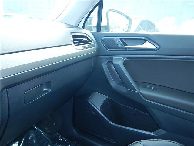 2018 Volkswagen Tiguan Comfortline (Stk: JT142389) in Surrey - Image 16 of 28