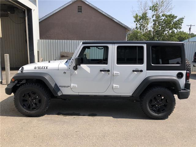 2015 Jeep Wrangler Unlimited Sport (Stk: 13617) in Fort Macleod - Image 2 of 18