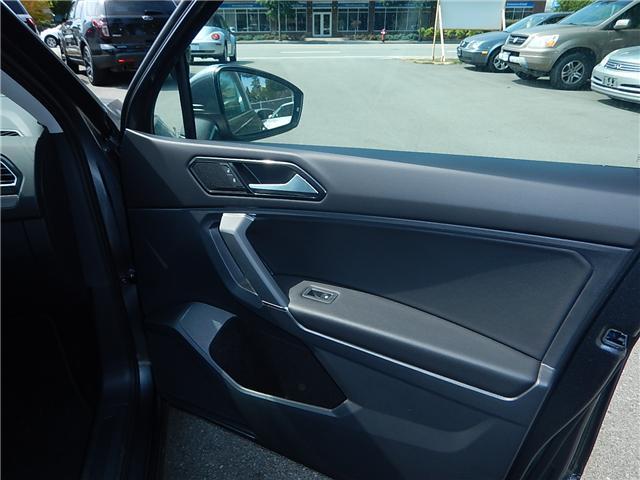 2018 Volkswagen Tiguan Comfortline (Stk: JT116769) in Surrey - Image 17 of 28