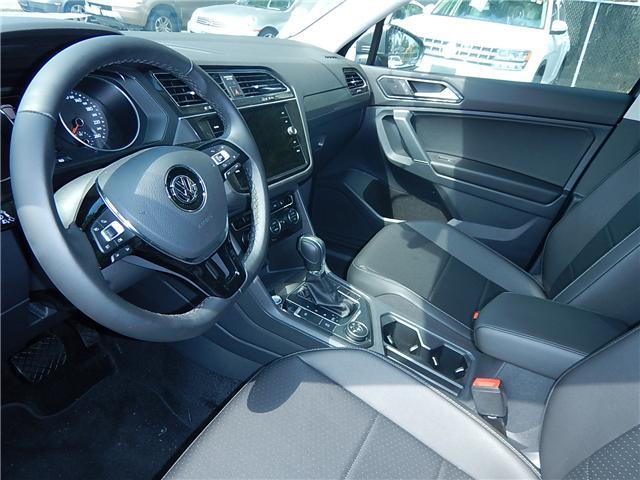 2018 Volkswagen Tiguan Comfortline (Stk: JT116769) in Surrey - Image 5 of 28
