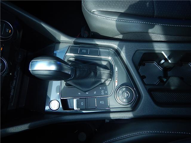 2018 Volkswagen Tiguan Comfortline (Stk: JT116769) in Surrey - Image 15 of 28
