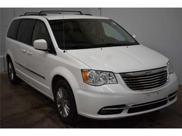 2015 Chrysler Town & Country TOURING L- LEATHER * UCONNECT * BACKUP CAM  (Stk: B2072) in Cornwall - Image 2 of 30