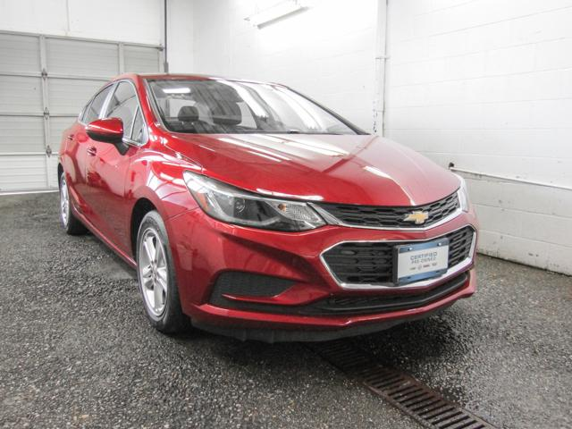2017 Chevrolet Cruze LT Auto (Stk: E8-00891) in Burnaby - Image 2 of 24