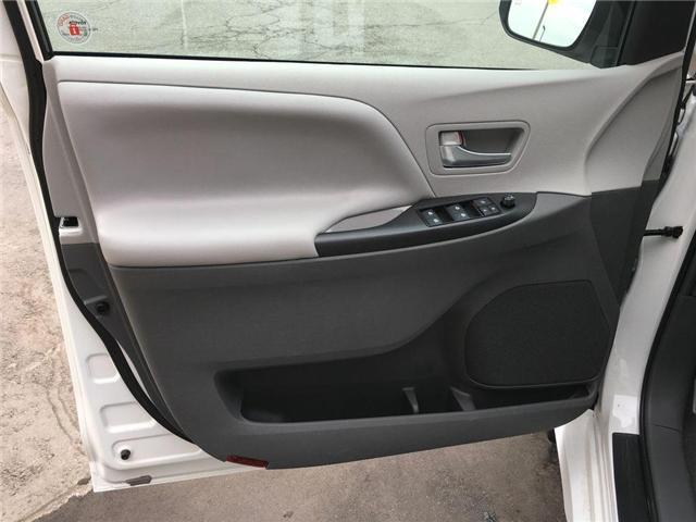 2018 Toyota Sienna AWD LE (Stk: 41970) in Brampton - Image 2 of 23
