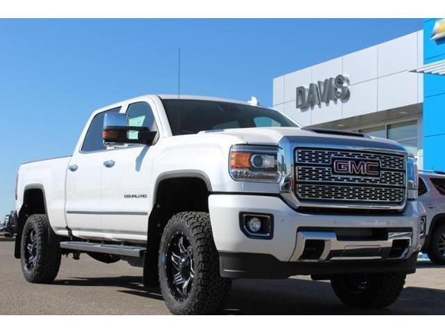 2018 GMC Sierra 2500HD Denali (Stk: 192487) in Claresholm - Image 1 of 23