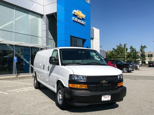 2018 Chevrolet Express 3500 Work Van (Stk: 8W29400) in Vancouver - Image 2 of 10