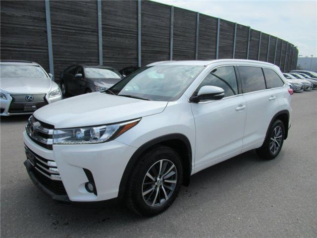 2017 Toyota Highlander XLE (Stk: L11813A) in Toronto - Image 2 of 19