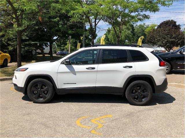 2017 Jeep Cherokee Sport (Stk: 174026) in Toronto - Image 2 of 20