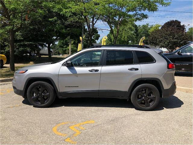 2017 Jeep Cherokee Sport (Stk: 174024) in Toronto - Image 2 of 20