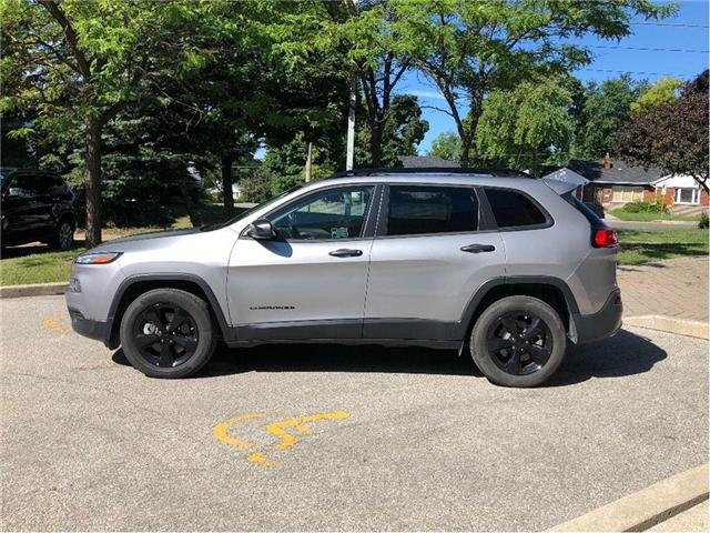 2017 Jeep Cherokee Sport (Stk: 174030) in Toronto - Image 2 of 19