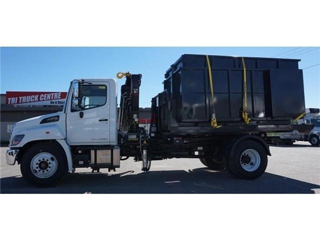 2017 Hino 338 -  w/ Hiab 088 Crane & XR7 Multilift - (Stk: HLTW10814) in Barrie - Image 5 of 13