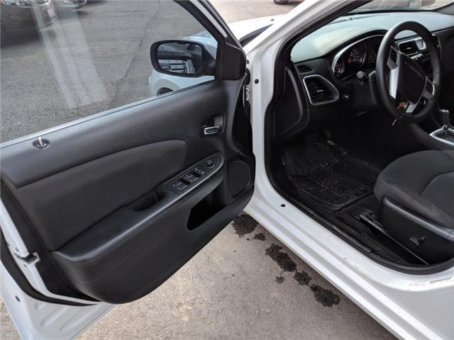 2014 Chrysler 200 Touring (Stk: -) in Bolton - Image 11 of 23