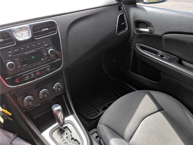 2014 Chrysler 200 Touring (Stk: -) in Bolton - Image 17 of 23