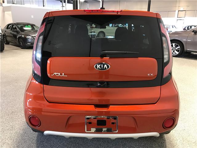 2018 Kia Soul EX (Stk: P11661) in Calgary - Image 5 of 10