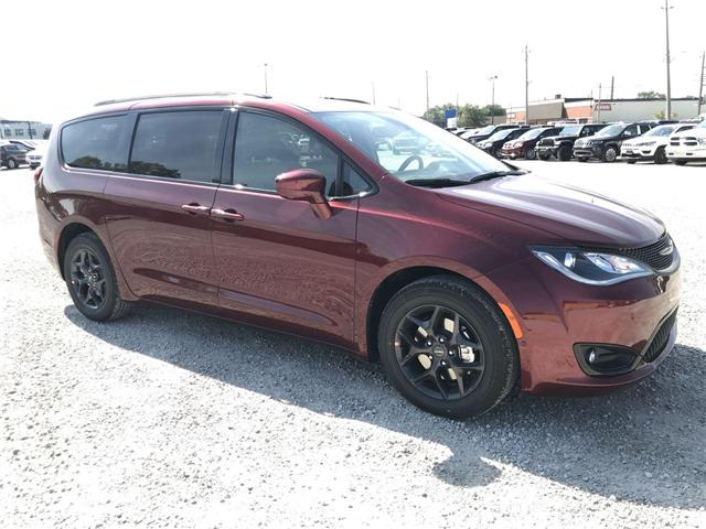2019 Chrysler Pacifica Touring-L Plus (Stk: 19192) in Windsor - Image 1 of 11