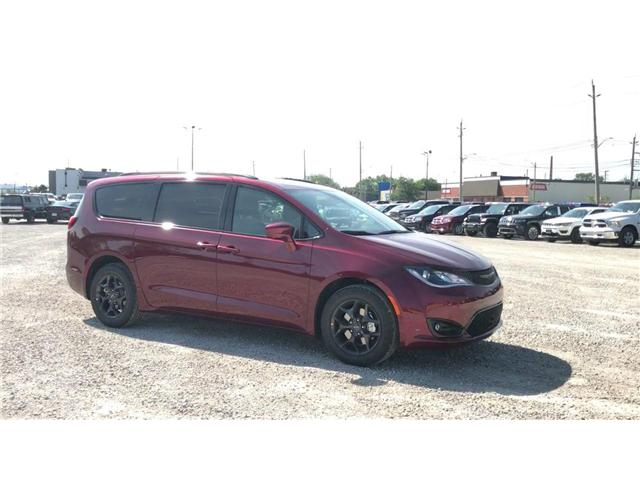 2019 Chrysler Pacifica Touring-L Plus (Stk: 19192) in Windsor - Image 2 of 11