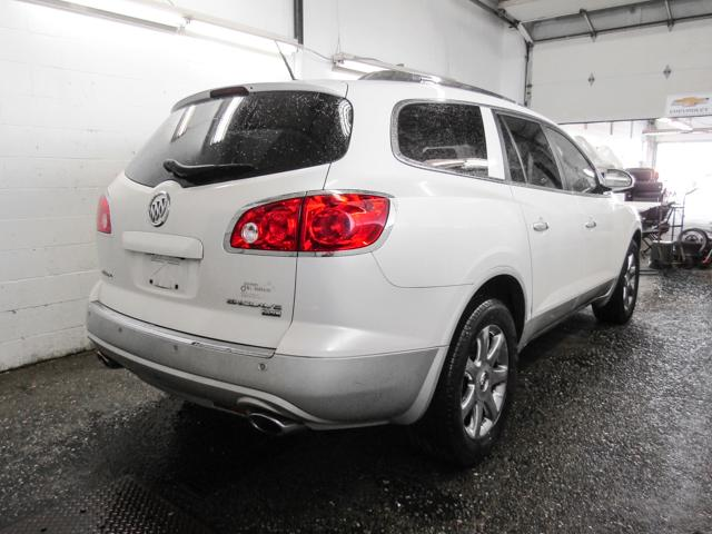 2008 Buick Enclave CXL (Stk: E8-96232) in Burnaby - Image 2 of 24