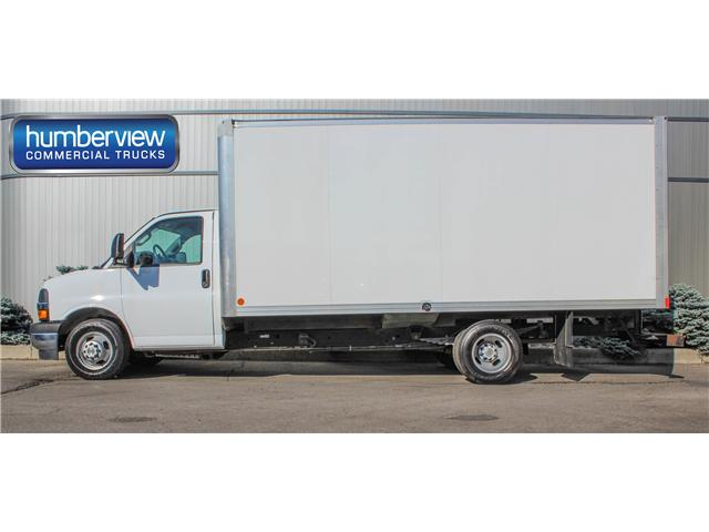 2017 Chevrolet Express Cutaway 3500 1WT (Stk: CTDR1948) in Mississauga - Image 1 of 11