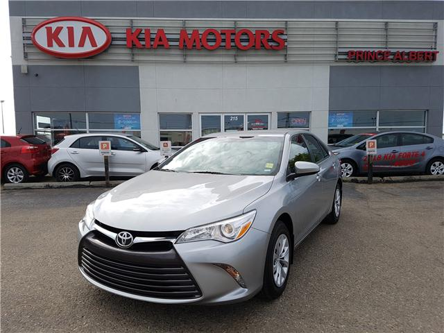 2017 Toyota Camry LE (Stk: B4064) in Prince Albert - Image 1 of 26