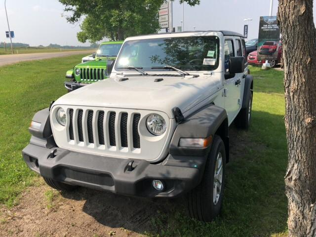 2018 Jeep Wrangler Unlimited Sport (Stk: 18WR7366) in Devon - Image 1 of 24