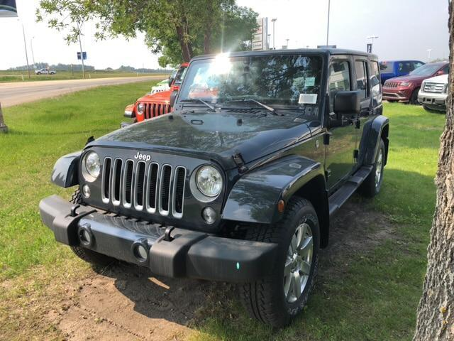 2018 Jeep Wrangler JK Unlimited Sahara (Stk: 18WR2915) in Devon - Image 1 of 21