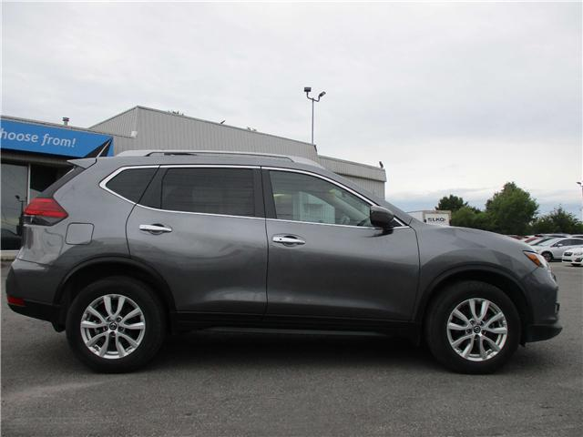 2017 Nissan Rogue SV (Stk: 181133) in Richmond - Image 2 of 13