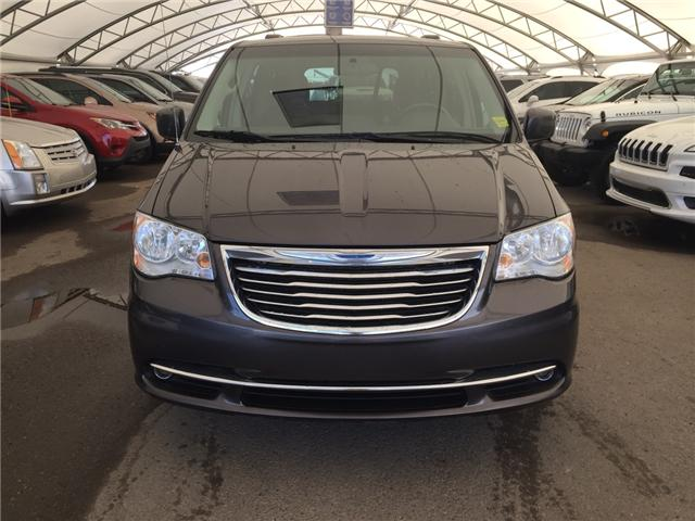 2015 Chrysler Town & Country Touring (Stk: 167652) in AIRDRIE - Image 2 of 19