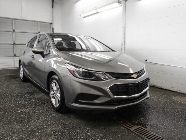 2018 Chevrolet Cruze LT Auto (Stk: P9-55890) in Burnaby - Image 2 of 23