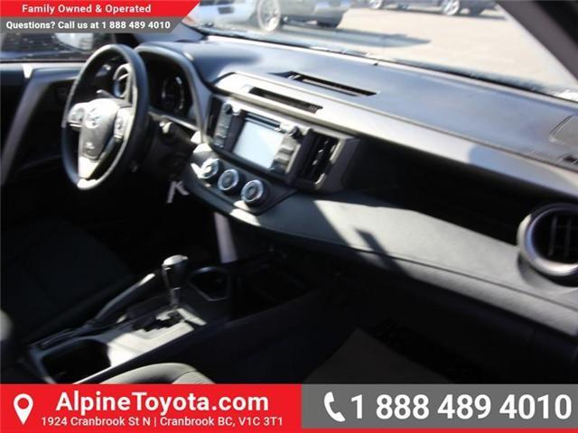 2018 Toyota RAV4 LE (Stk: W824730) in Cranbrook - Image 11 of 18
