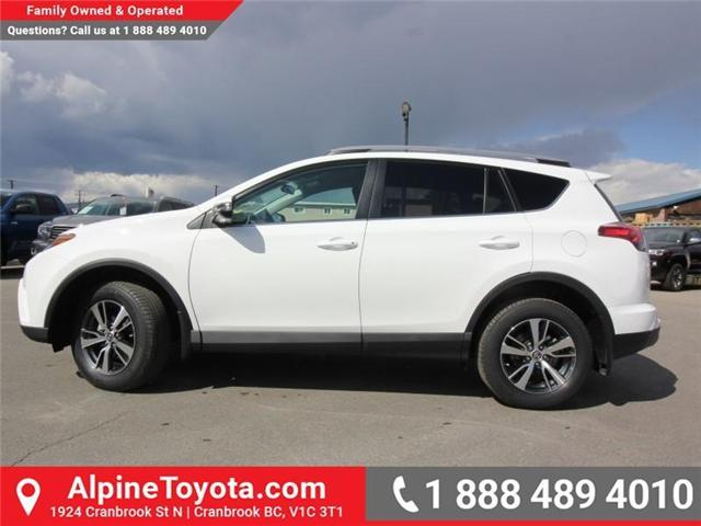 2018 Toyota RAV4 LE (Stk: W825244) in Cranbrook - Image 2 of 18