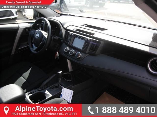 2018 Toyota RAV4 LE (Stk: W825244) in Cranbrook - Image 11 of 18