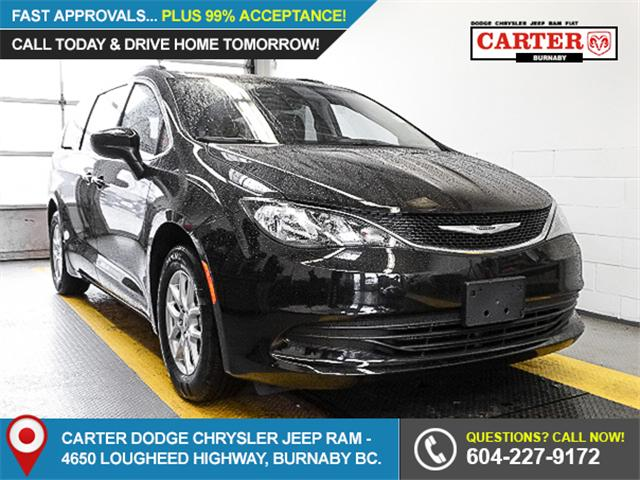 2017 Chrysler Pacifica Touring (Stk: W083230) in Burnaby - Image 1 of 6