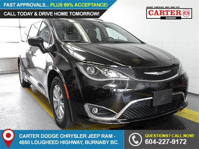 2017 Chrysler Pacifica Touring-L (Stk: W374310) in Burnaby - Image 1 of 6