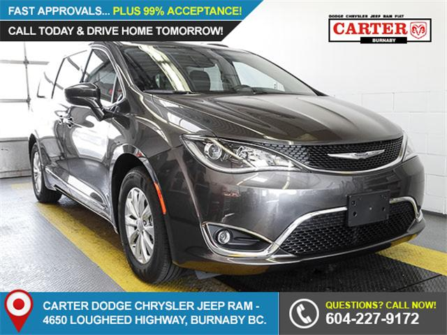 2017 Chrysler Pacifica Touring-L (Stk: W374320) in Burnaby - Image 1 of 7