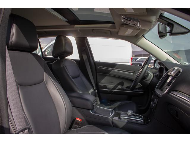 2017 Chrysler 300 Touring (Stk: EE896870) in Surrey - Image 16 of 25