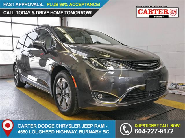 2018 Chrysler Pacifica Hybrid Limited (Stk: W181930) in Burnaby - Image 1 of 6