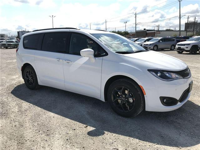 2019 Chrysler Pacifica Touring-L Plus (Stk: 19209) in Windsor - Image 1 of 11