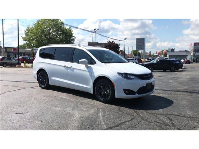 2019 Chrysler Pacifica Touring-L Plus (Stk: 19202) in Windsor - Image 2 of 11
