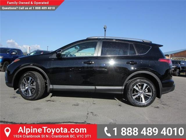 2018 Toyota RAV4 LE (Stk: W824730) in Cranbrook - Image 2 of 18