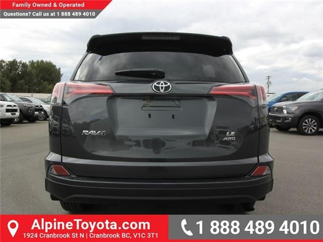 2018 Toyota RAV4 LE (Stk: W826068) in Cranbrook - Image 4 of 17