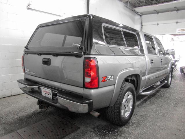 2006 Chevrolet Silverado 1500 LS (Stk: N8-33751) in Burnaby - Image 2 of 22