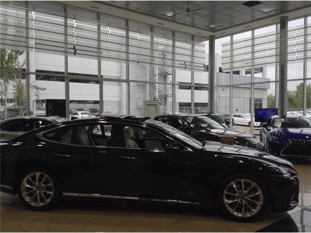 2018 Lexus LS 500 L (Stk: 180453) in Calgary - Image 2 of 10